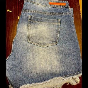 Hering Mid Wash Jean Shorts Size 44/34